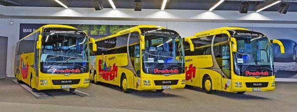 Reisebus mieten für Klassenfahrten, Ausflüge, Mannschaftsfahrten